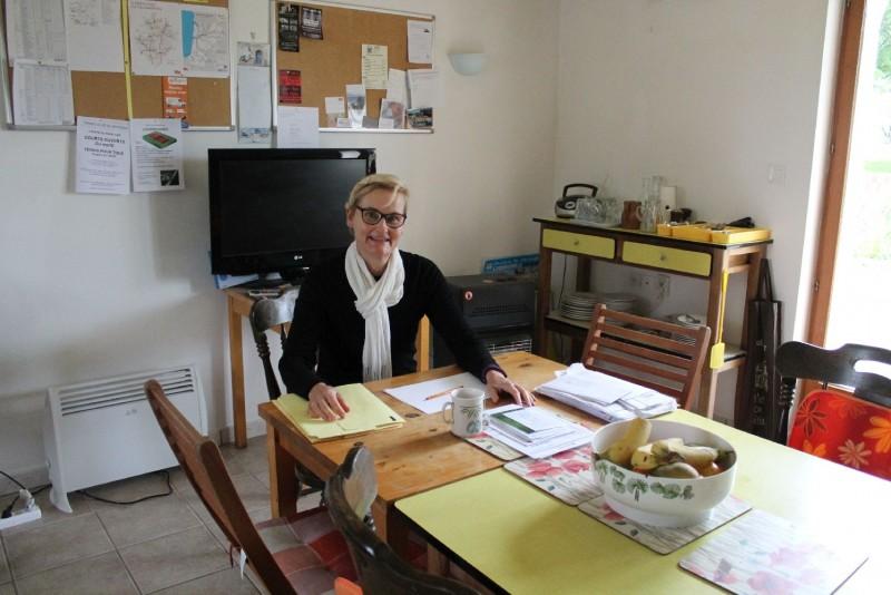 Australian volunteer powering through files