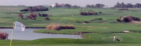 golf course la rochelle south west france. Black Bedroom Furniture Sets. Home Design Ideas
