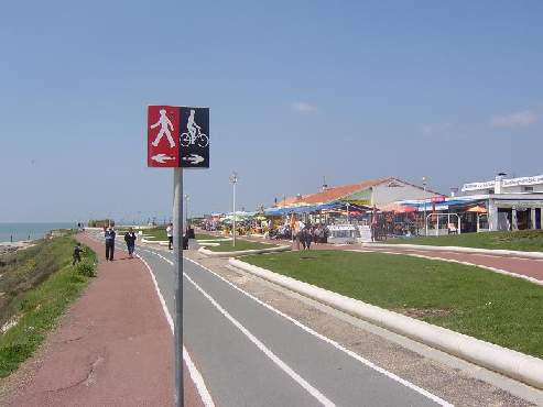 cycle path south west france image