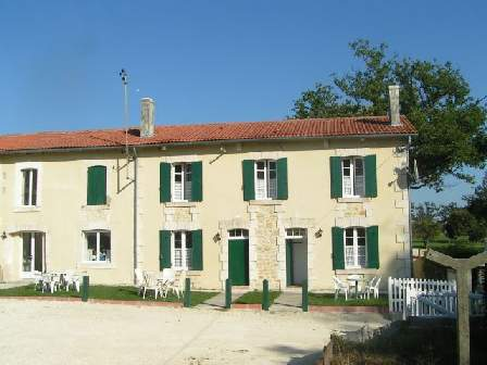 charente accommodation south west france image