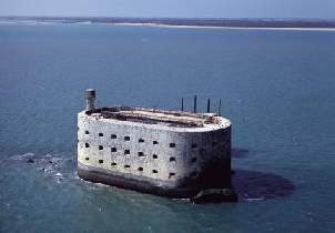 http://www.lagiraudiere.com/resources/fort-boyard.jpg