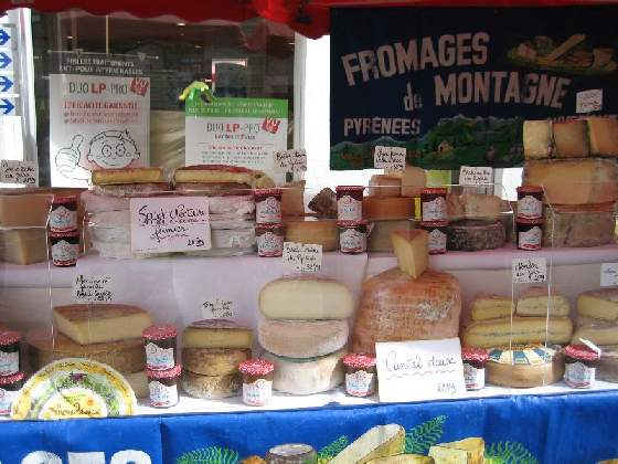 chalais market