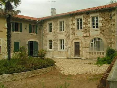 charente house france image