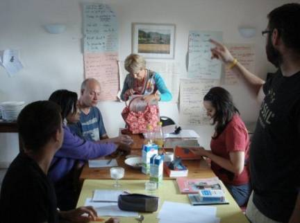 Volunteers learning French in France